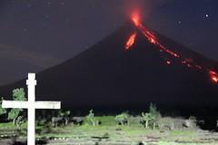 Mayon Eruption Dec 2009 (HarryCool) Tags: volcano philippines mayon bicol volcanoeruption legazpi albay mayonvolcano