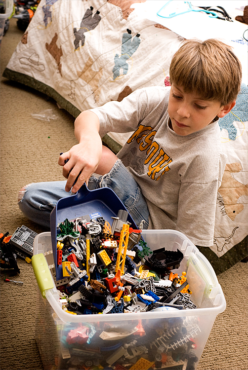 Will's Lego pile 4  jan 3 09