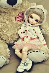 Little Bear (lindsey.kaye) Tags: bear iris girl hoodie rachel shoes heart ben strawberries wig bow mohair luts fairyland tutu littlebear leekeworld littlefee lindseykaye
