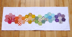hex front mini quilt dqs8 (Kindred Crafters) Tags: rainbow hexagons patchwork miniquilt dqs8