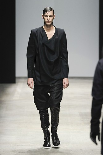 Mathias Bergh3124_FW10_Paris_Songzio(lizzylily@mh)