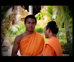 Muscle Monk (Nataraj Metz) Tags: buddhism monks laos lao mnche buddhismus pakse champasak paks watluang vignettierung pakxe vatluang champasakprovince earthasia sanghacollege   champasaksanghacollege