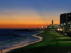 Farol de Barra. Praia de Barra. Salvador (Cancela de Sas) Tags: brasil lighthouses beaches salvador topf150 praias playas faros faroles 3000v120f frontpageexplore lx3 praiadebarra faroldebarra lumixlx3 estadodebaha marzo2010 avenidaocenica