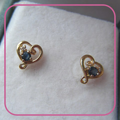9ct gold and saphire earrings