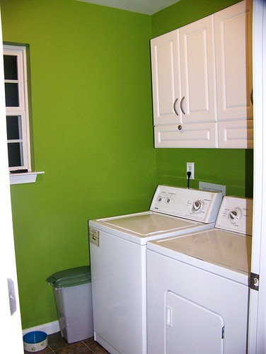 100412 Laundry Room 01