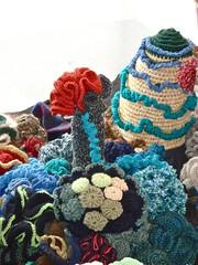Recife de crochê, 2 anos depois