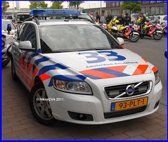Dutch traffic police Amsterdam. (NikonDirk) Tags: v50 volvo politie police nikondirk dutch cop cops amsterdam amstelland hulpverlening holland netherlands trafficpolice traffic verkeers verkeerspolitie foto 93plt1 verkeer commercial vehicle inspection safety