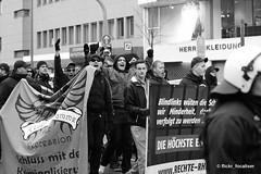 IMG_5215 (focaliser) Tags: politik nazi protest demonstration blockade polizei koblenz neonazi rheinlandpfalz antifa naziaufmarsch aufmarsch antisemitismus antirassismus antiantifa christianworch neonazidemo svenskoda dierechte parteidierechte antifablockade aktionsbüromittelrhein landgerichtkoblenz dierechterlp dierechterheinlandpfalz