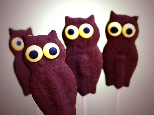 Mesmerizing Owl Cookie Pops
