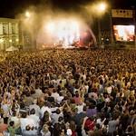 """Luxembourg - centre: Les festival de musique """"MeYouZik"""" et """"Rock um Knuedler"""" font vibrer chaque été 15.000 fans de musique rock et world sur la place GuillaumeII, en plein centre-ville."""