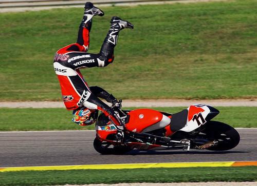 フリー画像| バイク/オートバイ| 事故|         フリー素材|
