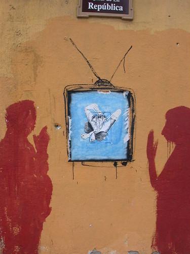 Oaxaca, Mexico - Silent conversation (ashabot) Tags: street red streetart art wall mexico graffiti streetlife wallart oaxaca walls silouhette oaxacamexico redgold wailpainting