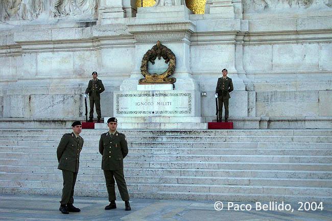 Tumba al soldado desconocido. © Paco Bellido, 2004
