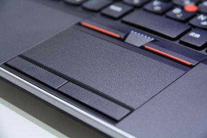 ThinkPad Edge 13 トラックパッドとクリックボタン