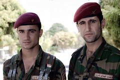 Soldats à Erbil (Irak) (Olivier Timbaud) Tags: soldier erbil soldat kurdistan irak kurdish kurdi hewler irbil hawler kurde oliviertimbaud
