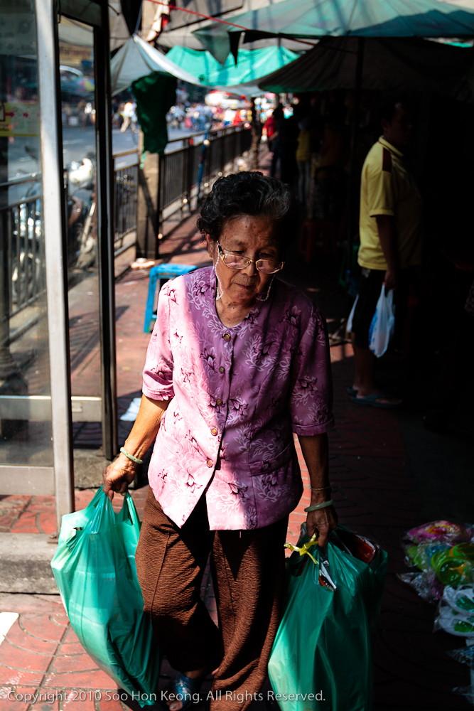 Shopper @ Chinatown, Bangkok, Thailand