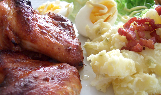 DotD: Oven baked chicken wings and potato salad