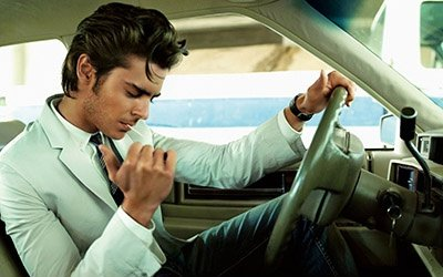 zac_efron-002-thumb-hollywooddesktop