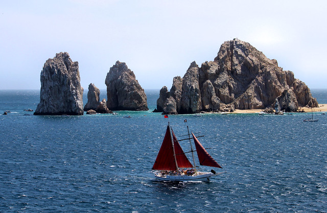 Los Cabos Mexico, Info & Images. Los Cabos is a lively 20 mile beach area at