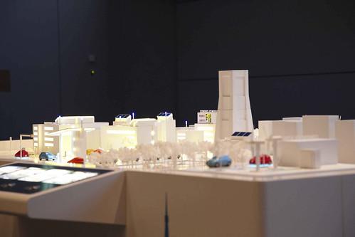 EVや次世代交通システムなど未来の横浜をイメージしたジオラマ