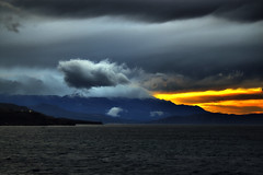 Untitled (Theophilos) Tags: sunset sea sky mountains clouds landscape greece crete rethymno ηλιοβασίλεμα κρήτη ελλάδα σύννεφα τοπίο θάλασσα δύση βουνά ρέθυμνο ουρανόσ λευκάόρη lafkaori