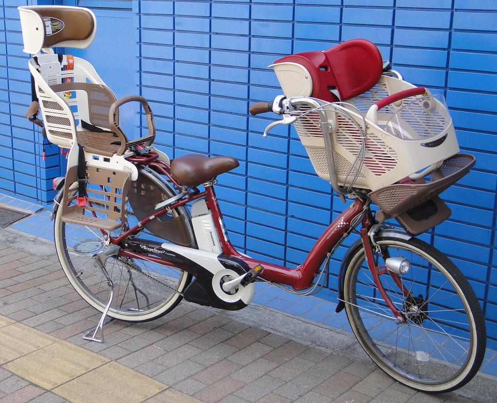 Child seats for bicycle (Mama-chari)