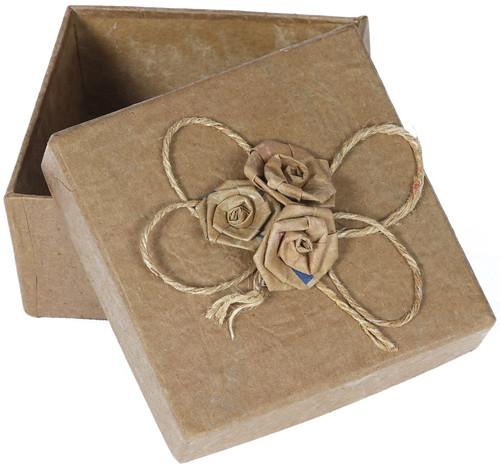Caixa com Ramalhete de Saco de Cimento Reciclado 2 by PARANOARTE