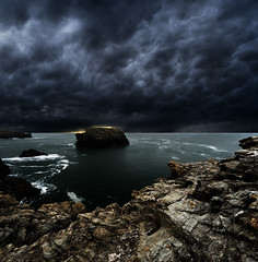 Belle Ile (guix29) Tags: cliff cloud mer seascape storm france rock landscape coast nik