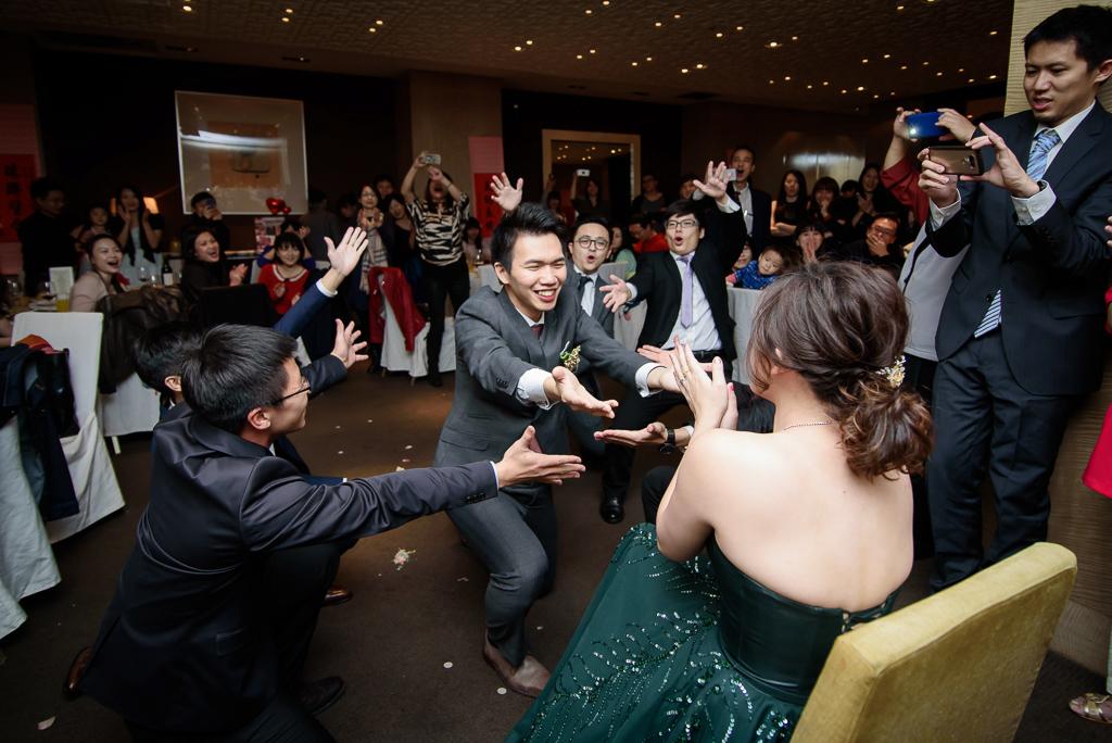 wedding day,婚攝小勇,台北婚攝,晶華,台北國賓,台北國賓婚宴 ,愛瑞思,Miko,新秘,-097