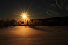 Morning Sun_2017_02_26_0001 (FarmerJohnn) Tags: sun rise sunrise snow lumikenttä auringonnousu taivas sky morning aamutaivas taivaanranta pilvet clouds colors colorfull värikäs taivi winter february helmikuu suomi finland laukaa valkola anttospohja canon7d canonef163528liiusm canon 7d juhanianttonen