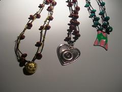 nudosssss (La Castanyita) Tags: ceramica colores fimo ojos gato piedras collares bisuteria pulseras