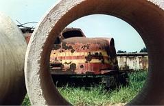 FPM169 Locomotiva sucateada da RFFSA (Fernando Picarelli Martins) Tags: generalelectric ferrovia locomotiva sucata rffsa jundiaísp redeferroviáriafederalsa locomotivaelétrica classe2cc2 anos1940