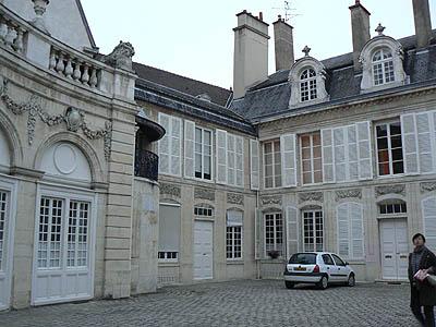 hôtel particulier Dijon.jpg