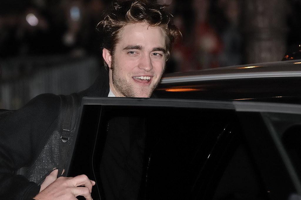 Robert Pattinson, Twilight Saga Film New Moon Photocall at the Crillon Hotel in Paris