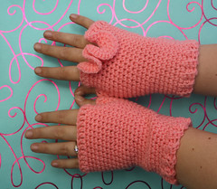 Under the Sea Fingerless Gloves (by tallybates)