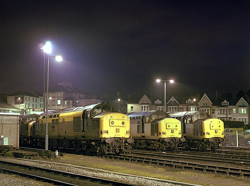 Class 37s Newport Station 7th Nov 1992