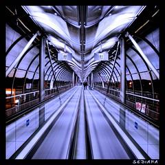 /|\ (sediama (break)) Tags: germany pentax fair hannover messe hdr skywalk movingstairs hbm photomatix abigfave k20d sediama unusualviewsperspectives rollsteig igp198079818283 ©bysediamaallrightsreserved