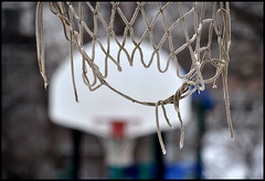 hoops, anyone? (Andy Marfia) Tags: park winter chicago net basketball hoop court iso200 lakeview f8 allrightsreserved d90 55200mm 1250sec andymarfia