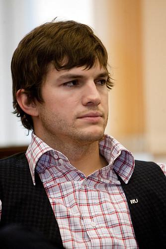 Ashton Kutcher (@aplusk)