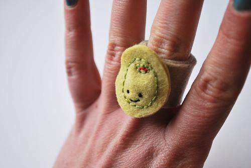 embroidered olive ring par wildolive