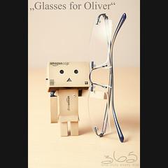 Glasses for Oliver (Oliver Totzke) Tags: canon toy days 5d 365 usm 28105 danbo 28105mm revoltech danboard