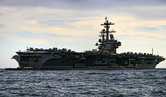 USS George H. W. Bush (CVN-77) (Cani Mancebo) Tags: marina aircraft murcia aircraftcarrier usnavy cartagena nimitz portaaviones cvn77 ussgeorgehwbush canimancebo armadaestadounidense