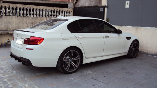 2013 F10 BMW M5 (Alpine White)