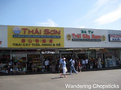 Ba Tu Trai Cay Ngon - Westminster (Little Saigon) 1 (wanderingchopsticks) Tags: westminster fruit vietnamese little mango tropical saigon jackfruit rambutan wanderingchopsticks
