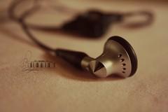 (- M7D . S h R a T y) Tags: focus blackberry headphones simpleedit blackberrybold wordbyme blackberrybold9000 allrightsreserved