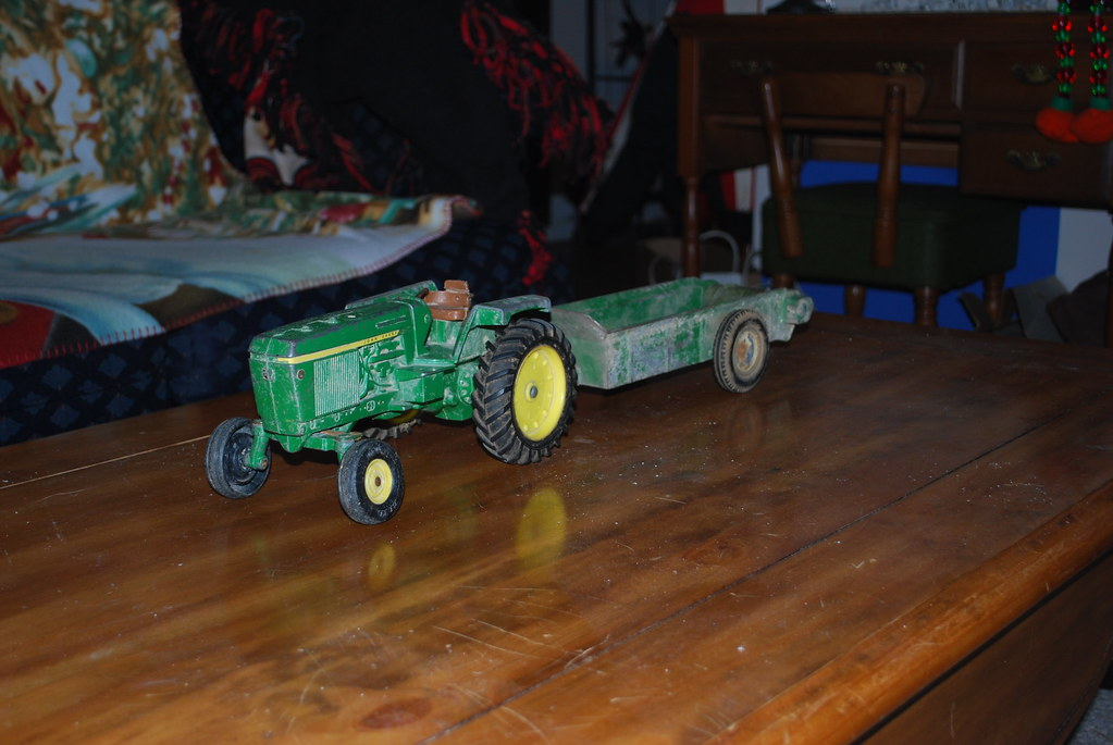 john deere toy tractor