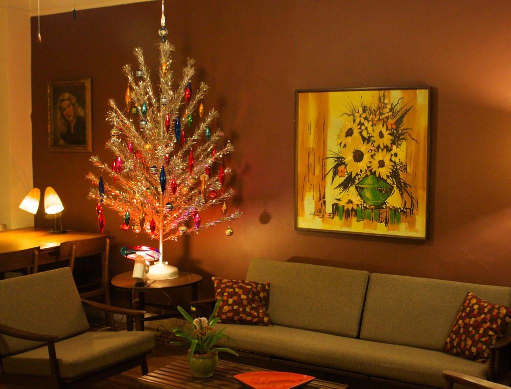retro christmas tree with color wheel