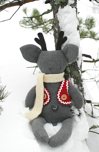 Rudolf sitting in the snow
