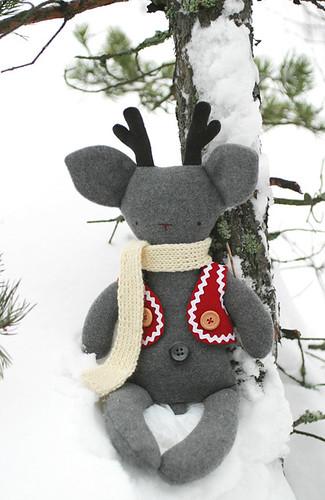 Rudolf sitting in the snow