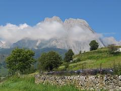 Pics et nuages (lou benne) Tags: cloud nature montagne landscape nuages paysage montain valledaspe platinumheartaward passiondclic
